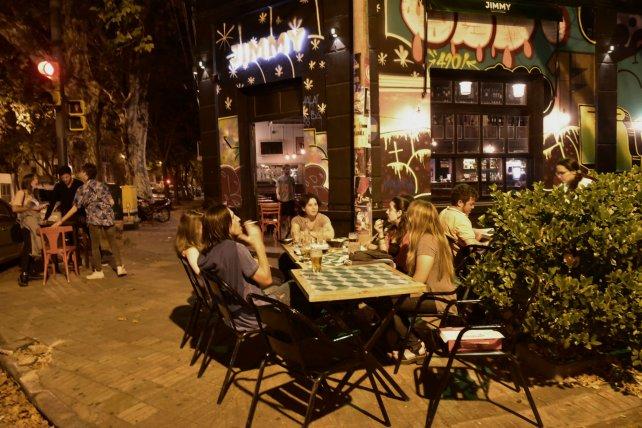 Cómo viven Pichincha y Pellegrini la reapertura de bares y qué piden para  seguir? | ON24 | Información Precisa. Periodismo en serio